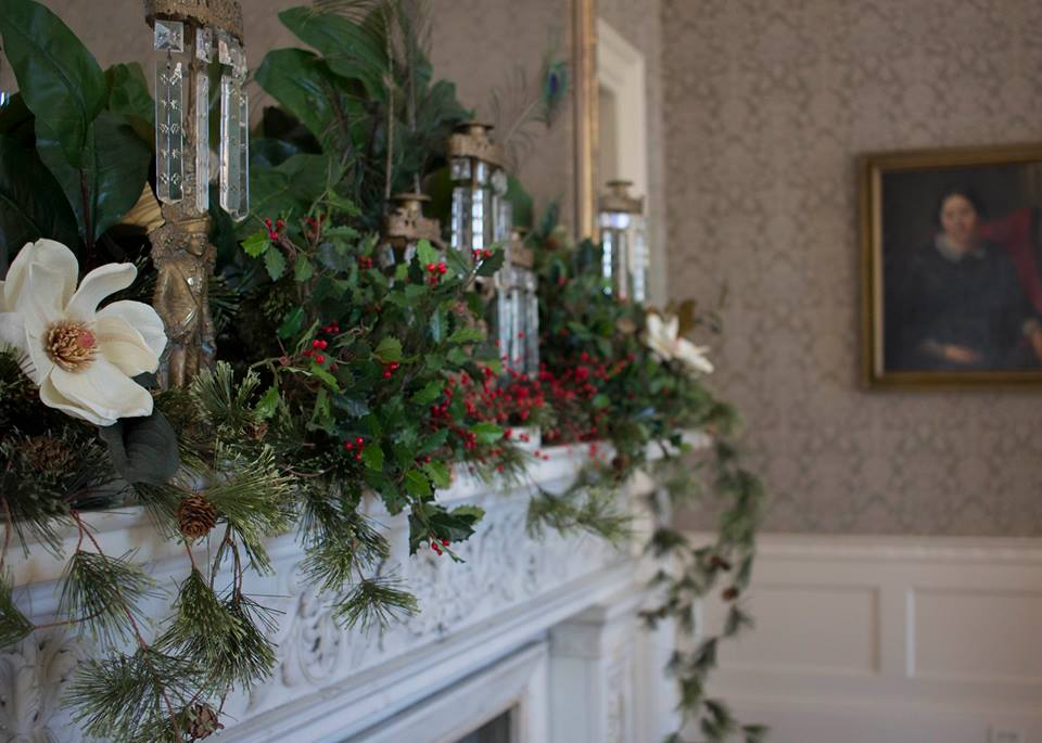 Robert Mills House mantle at Christmas